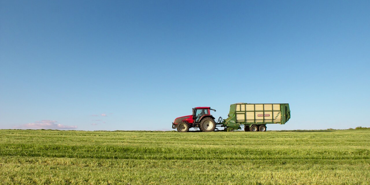 Traktor za obradu zemlje