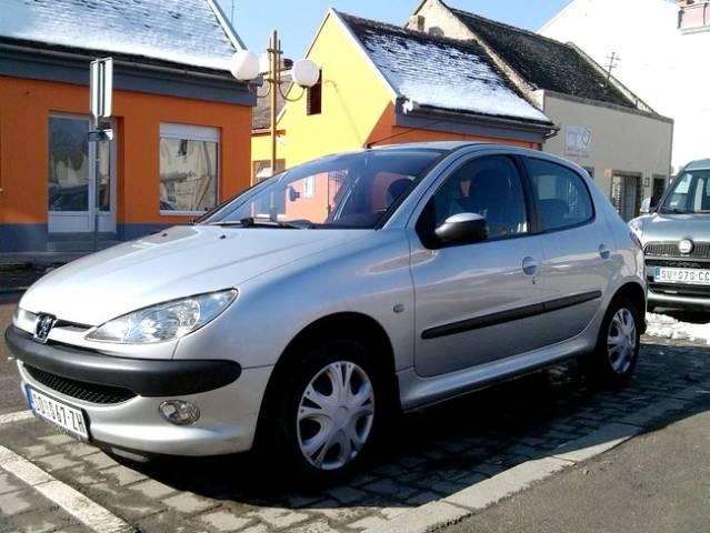 Slika 2003 Peugeot 206